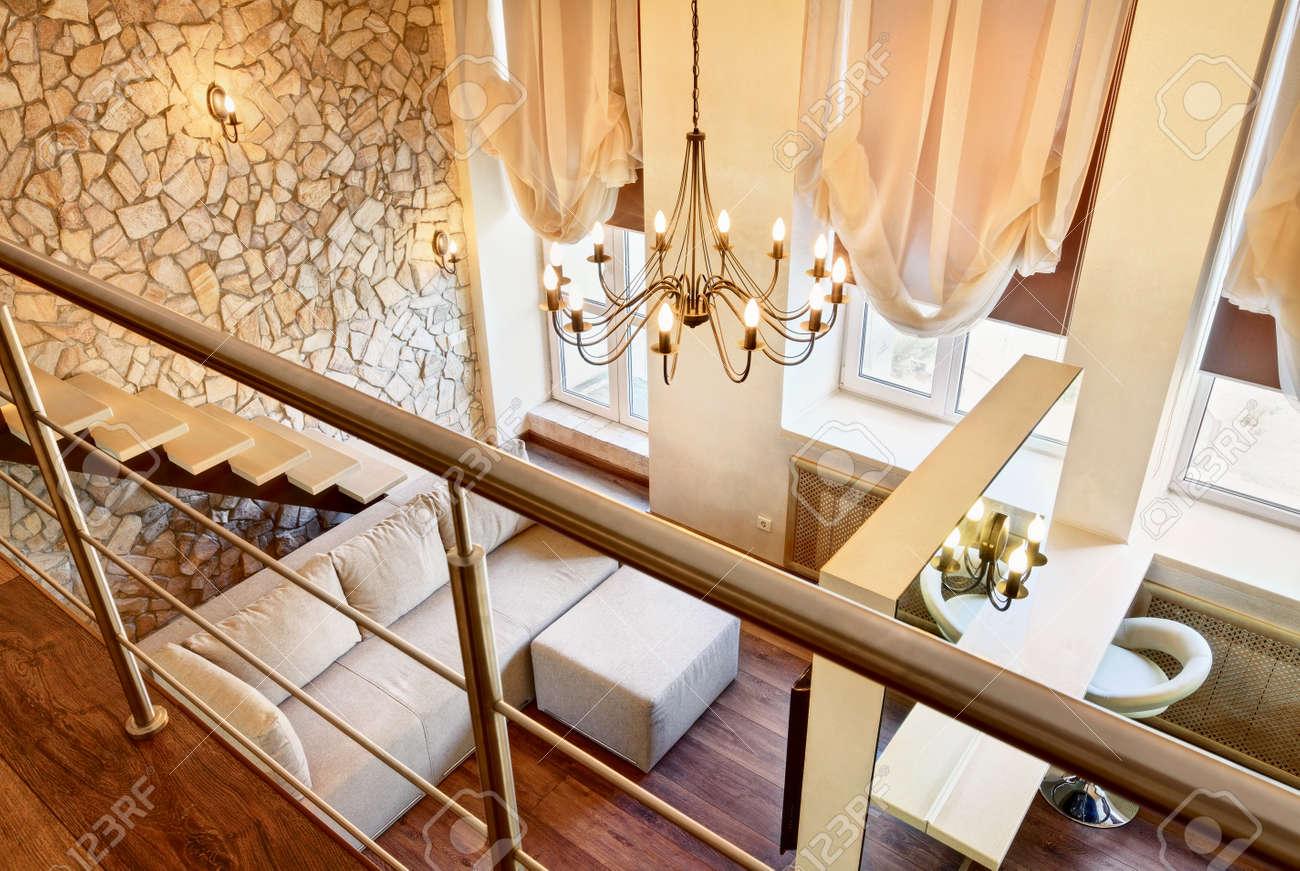 Moderne Jugendstil Duo Wohnzimmer Innenraum Mit Treppe Ansicht Von Oben Lizenzfreie Bilder