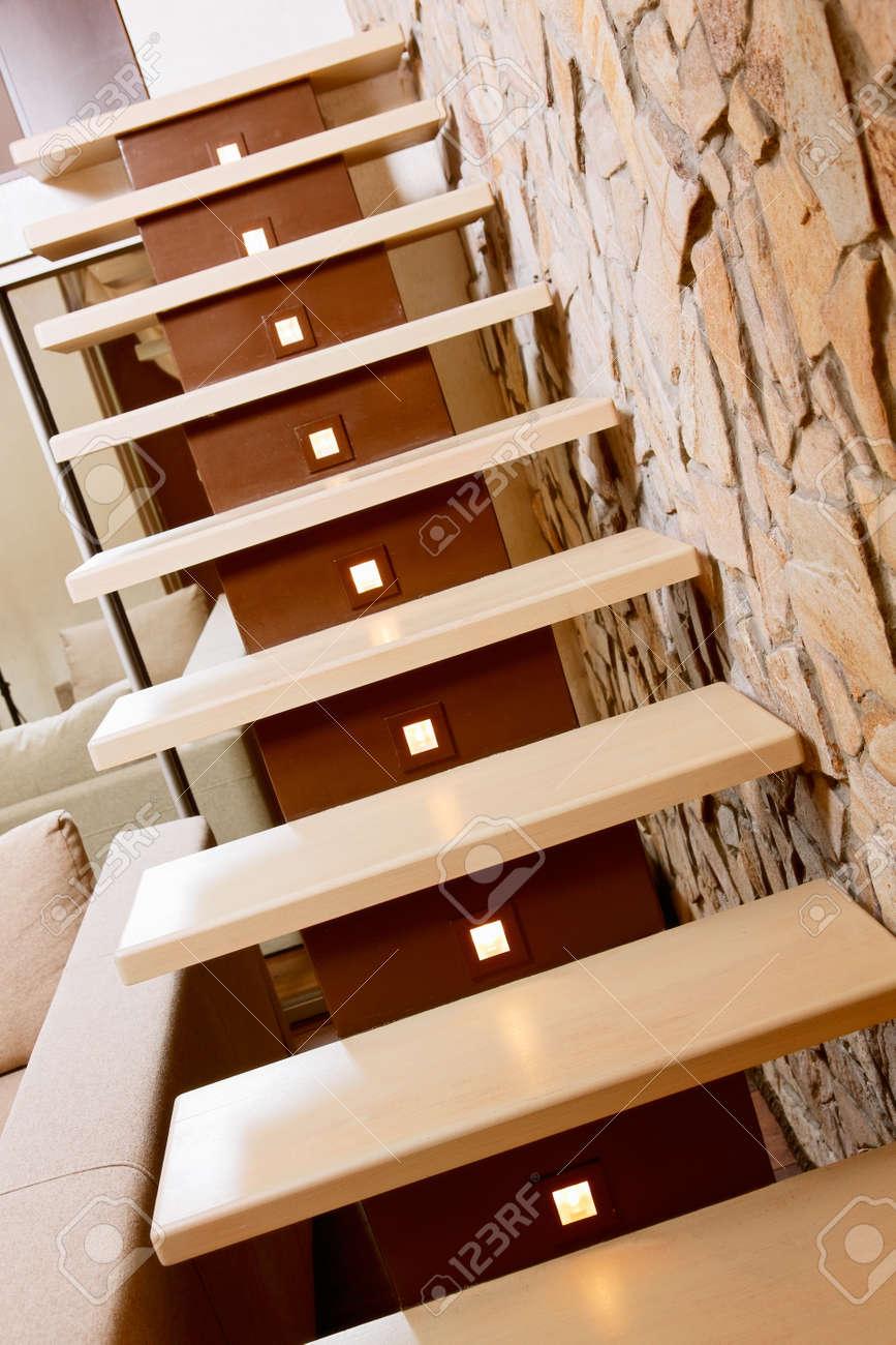 Moderne Treppen Und Betonwerkstein Wand Interior Detail ...