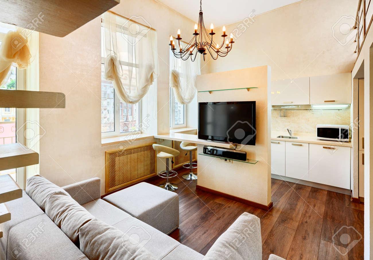 Moderner Minimalismus-Stil Wohnzimmer Innenraum Mit LCD-TV In ...
