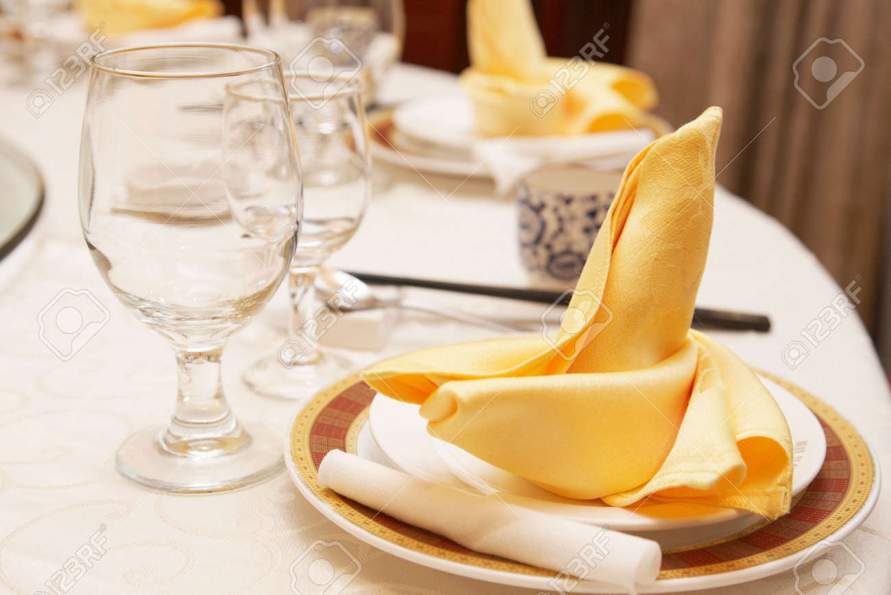 Chinese table setting - Table Setting In A Chinese Restaurant Stock Photo 4773522