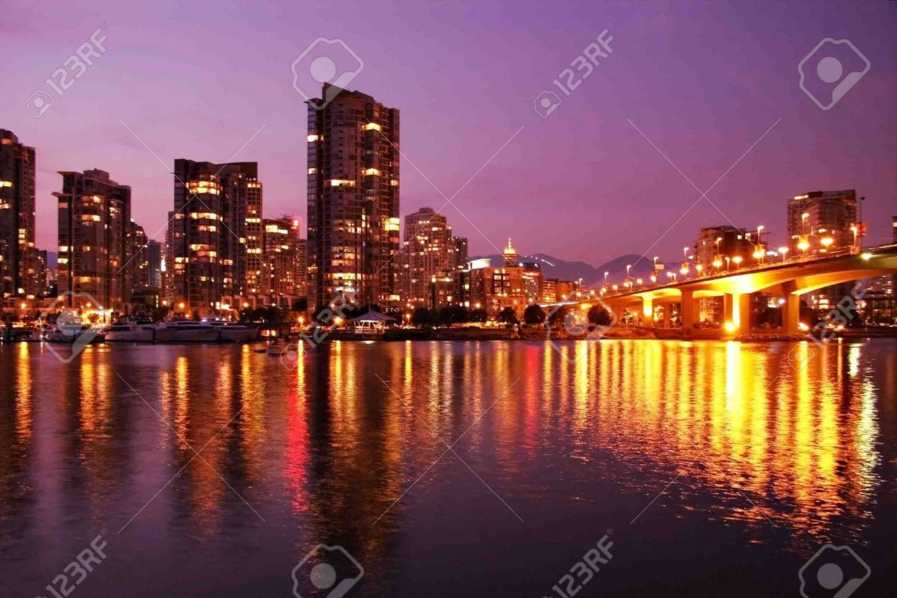 Beautiful Vancouver skyline, home of the 2010 winter sports competitions. Stock Photo - 5524911