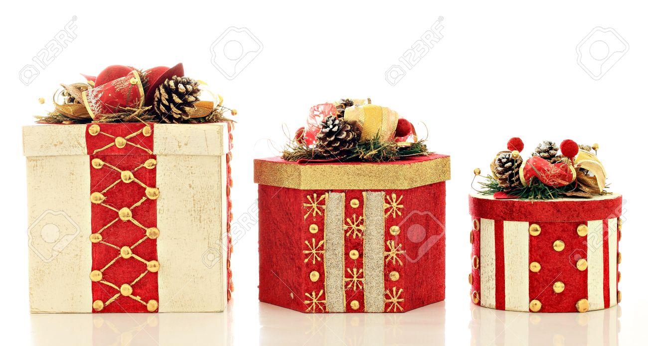 Drei Weihnachtsgeschenke, Studio Isoliert Auf Weiß. Lizenzfreie ...