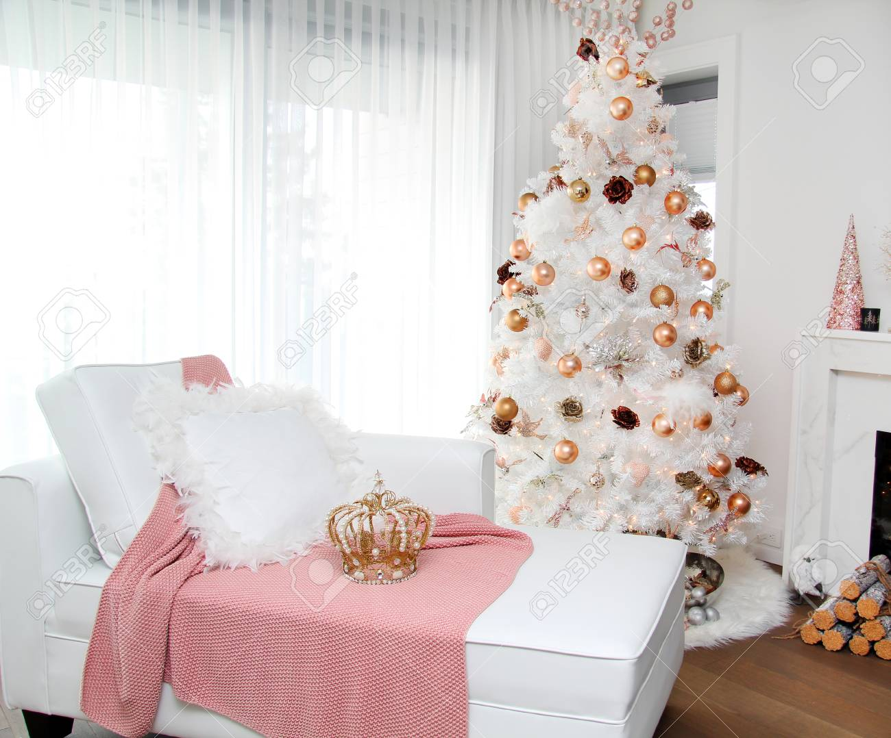 Contemporary Christmas Tree.White Contemporary Christmas Tree A Plush Loveseat Sofa In The