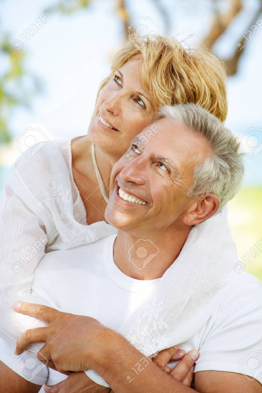 Portrait of a happy mature couple outdoors Stock Photo - 12669014