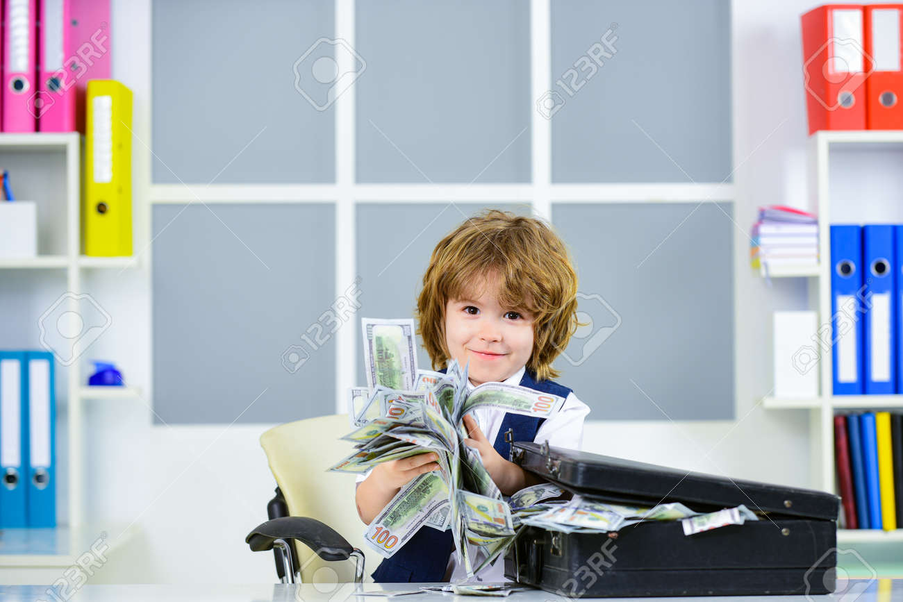 Money concept. Financial education for kids. US dollars. - 163411703