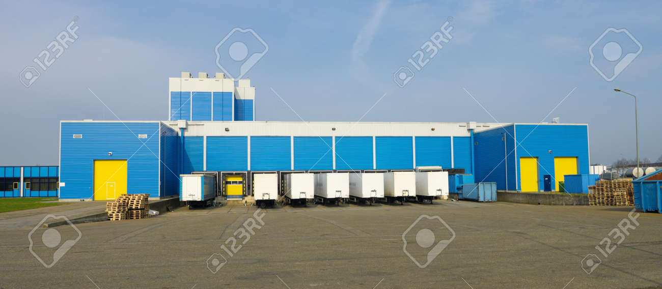 modern blue warehouse with loading docks Stock Photo - 13316118