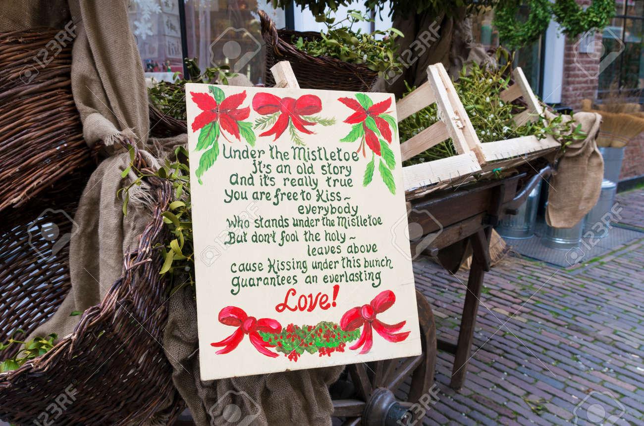 Weihnachten Gedicht Uber Liebe Und Mistel In Den Strassen Von