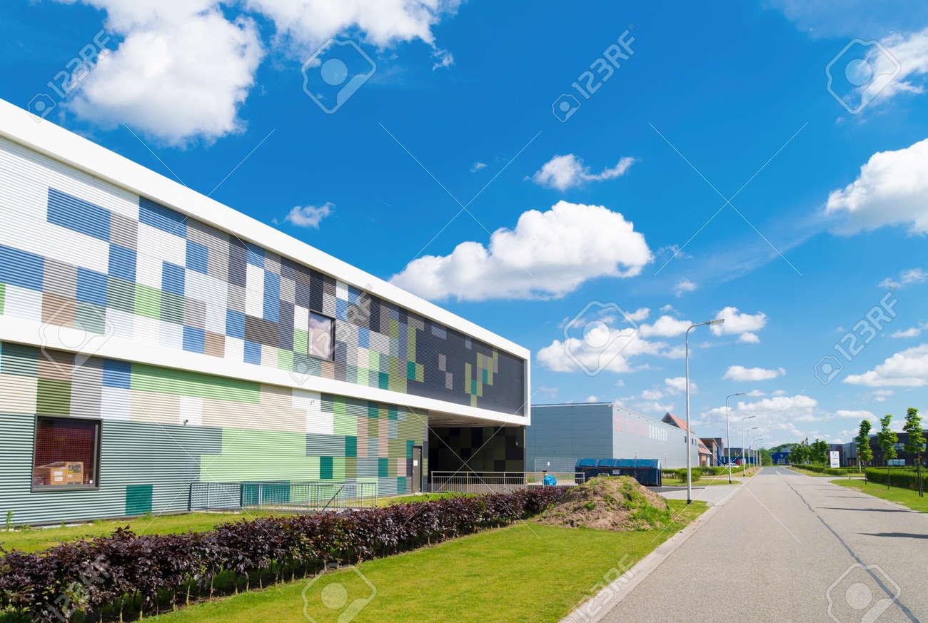 extérieur d'un bâtiment industriel moderne banque d'images et photos