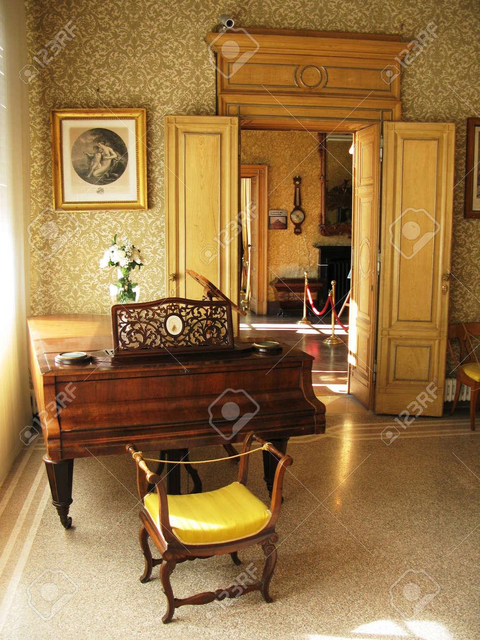 Interior of villa Monastero. Lake Como, Italy Stock Photo - 6158903