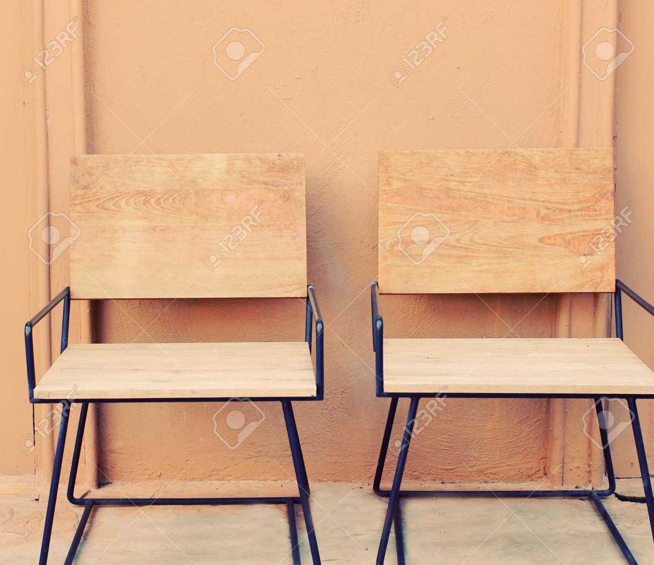 Sedie Legno Da Esterno.Immagini Stock Sedie In Legno Da Esterno Con Effetto Filtro Retro