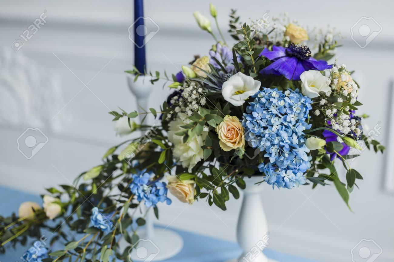 Il Colore Delle Candele.Decorazioni Matrimoniali Con Candele E Bellissimi Fiori Il Colore Della Serenita