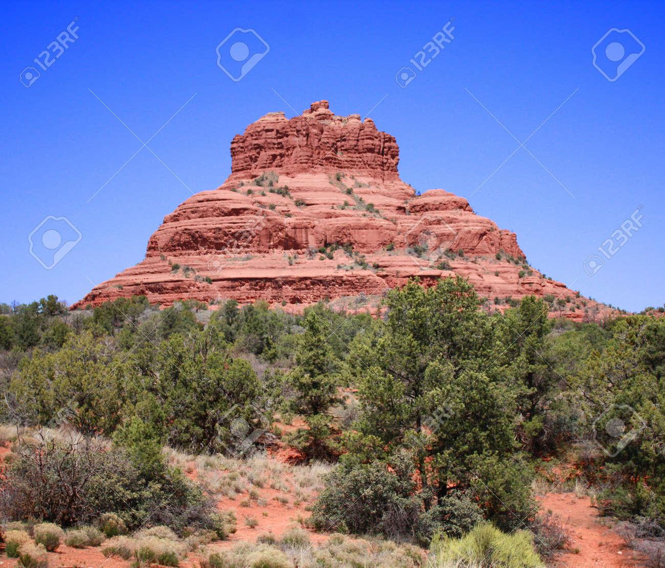 Sedona, Arizona's Bell Rock Stock Photo - 4713600