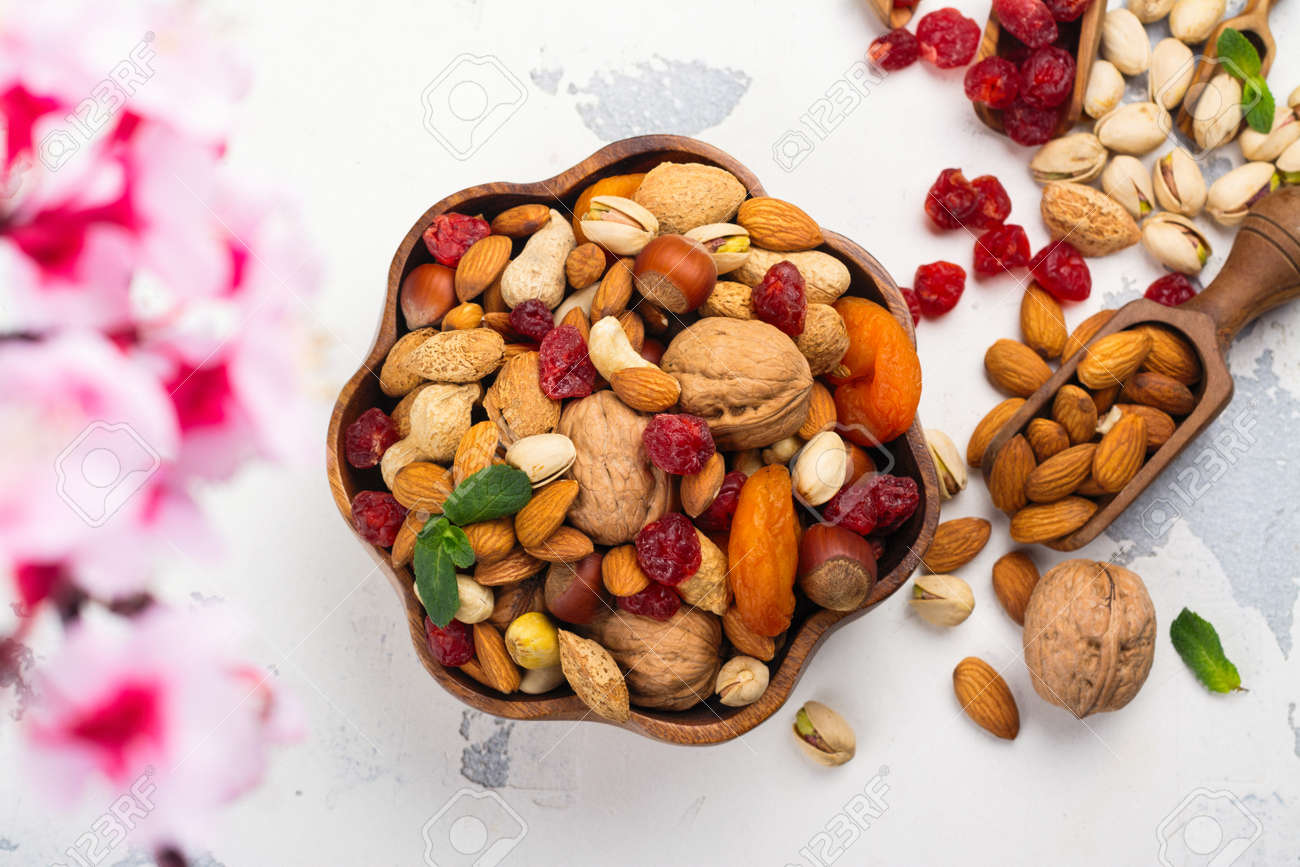 Assortment of dry fruits and nuts - 95981183