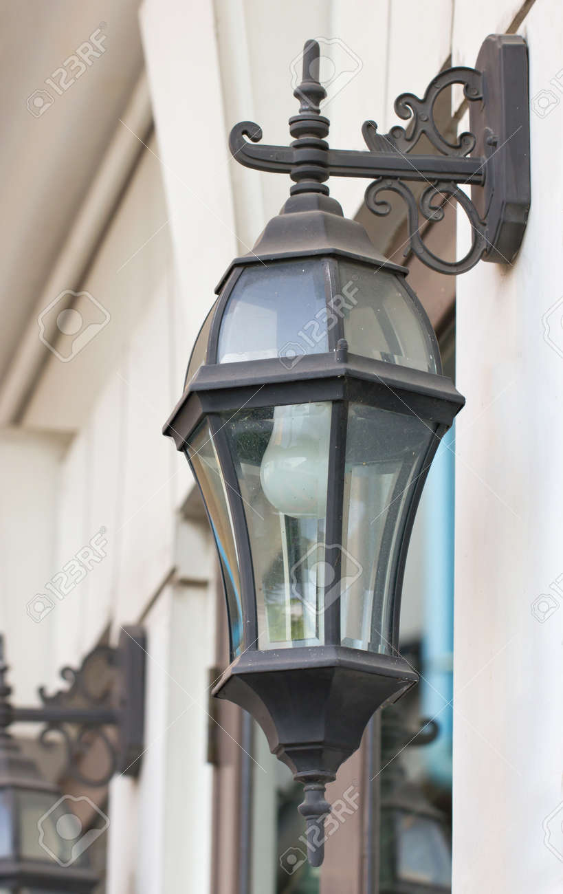 new product 64030 c7472 Antique outdoor wall lamp