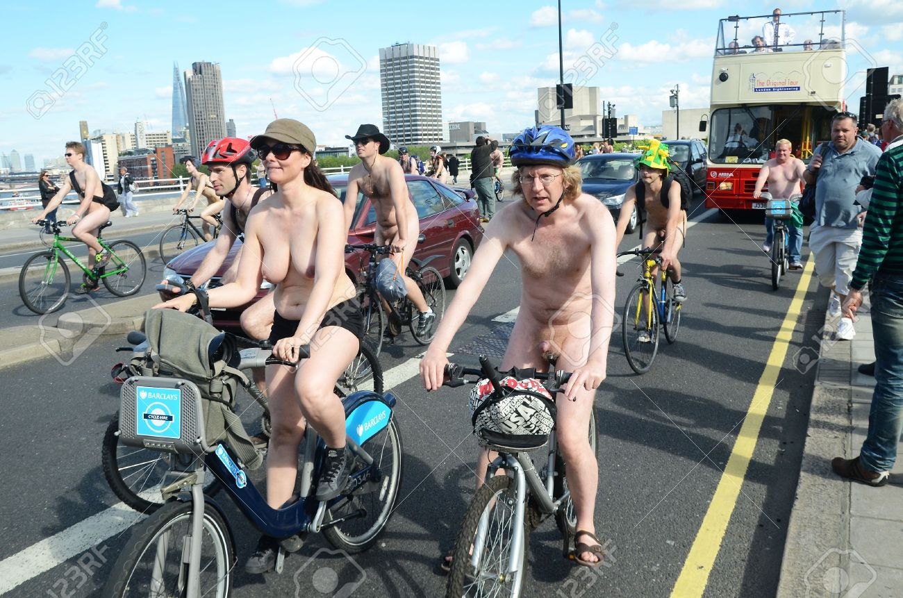 naked-bike-day-pictures-young
