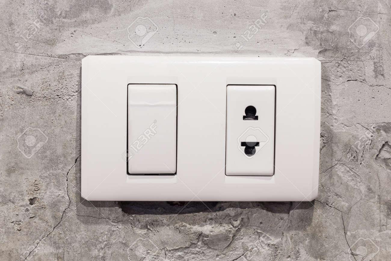 Licht Weißen Schalter Auf Betonwand Lizenzfreie Fotos, Bilder Und ...