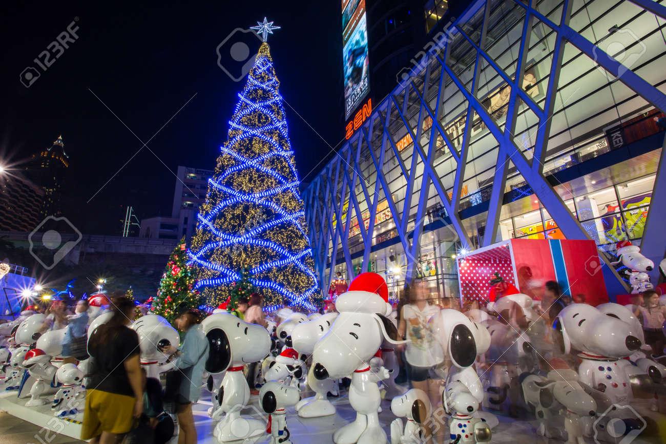 バンコク タイ王国 2014 年 11 月 30 日 大きなクリスマス ツリー
