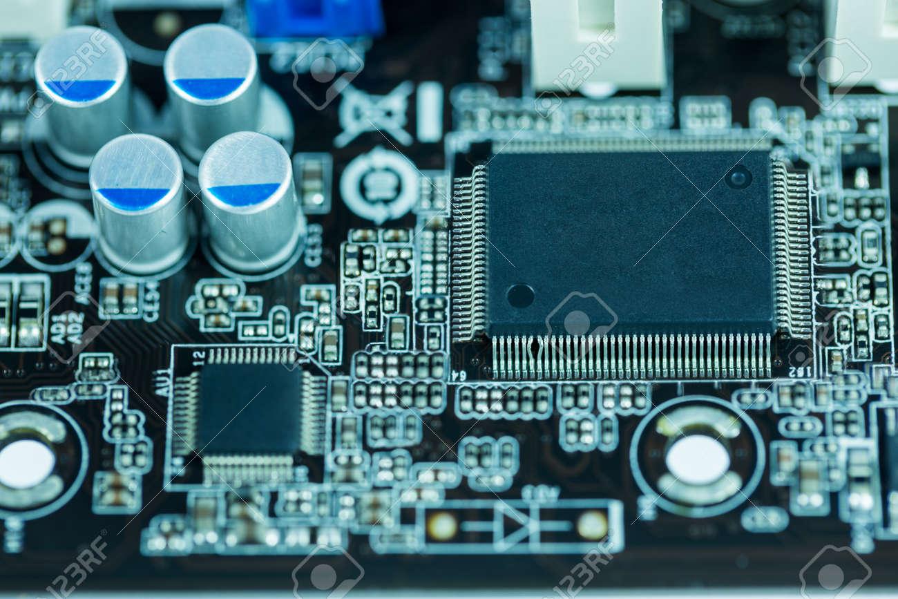 Schließen Sie Bild: Elektrische Schaltung Hauptplatine Vom Computer ...
