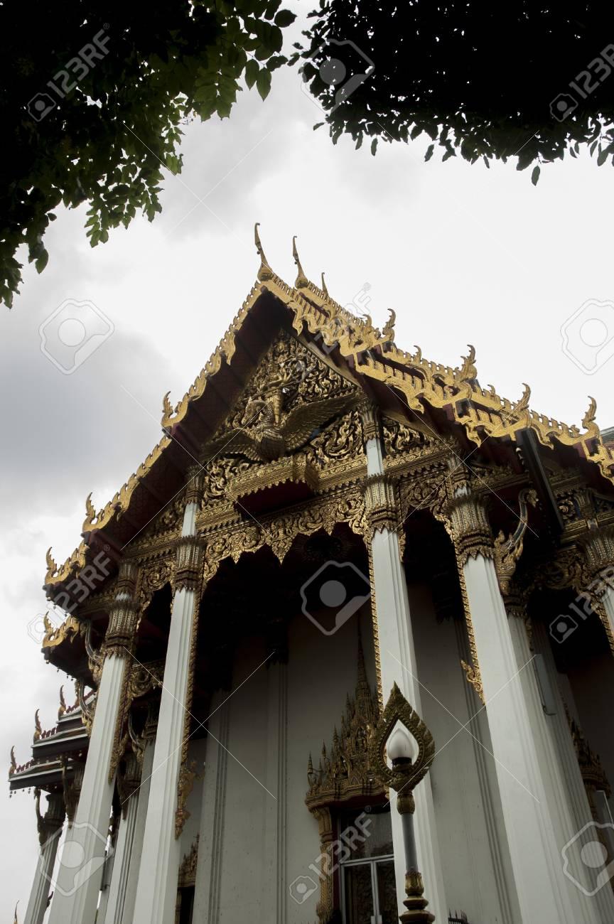Wat Ratchaburana, Thai temple, bangkok Stock Photo - 13893679