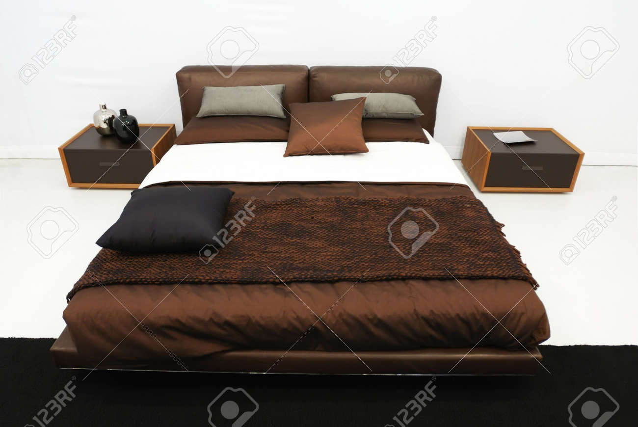 Modern luxury expensive bedroom interior Stock Photo - 4728977