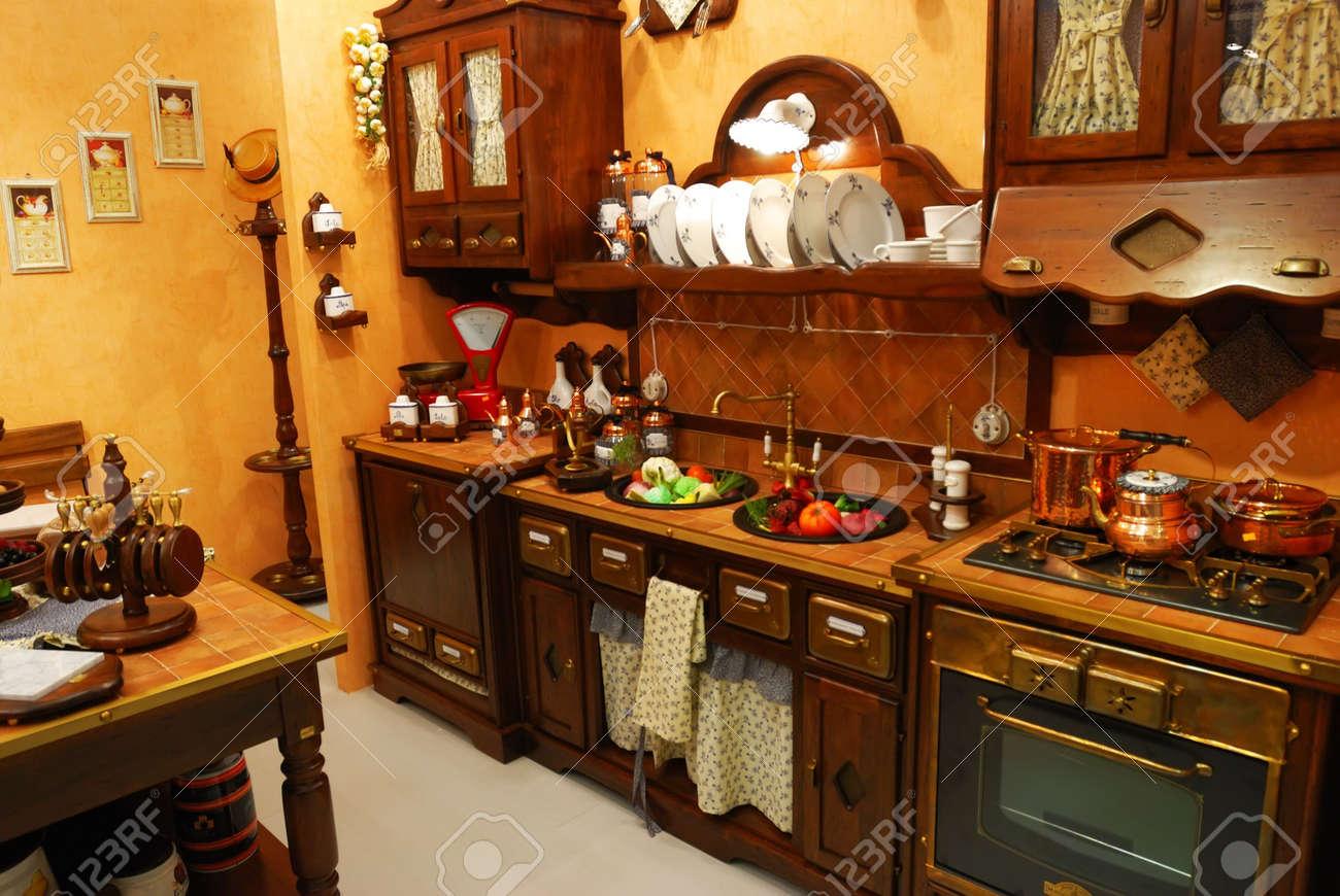 Extrem Classic Altmodische Küche Interieur Lizenzfreie Fotos, Bilder Und PX49