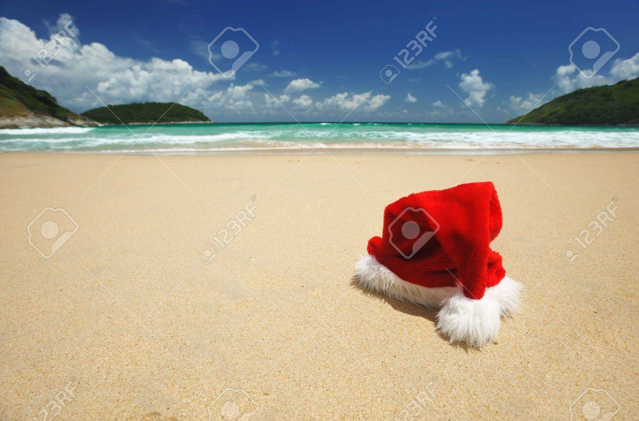 Santa's hat on a tropical beach Stock Photo - 5565975