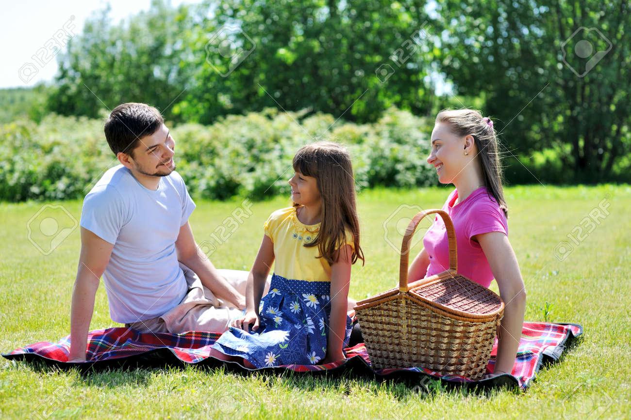 Студенты на пикнике фото 23 фотография