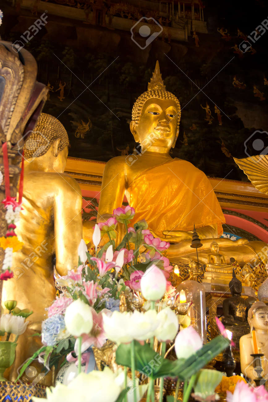 buddha in temple Stock Photo - 17964272