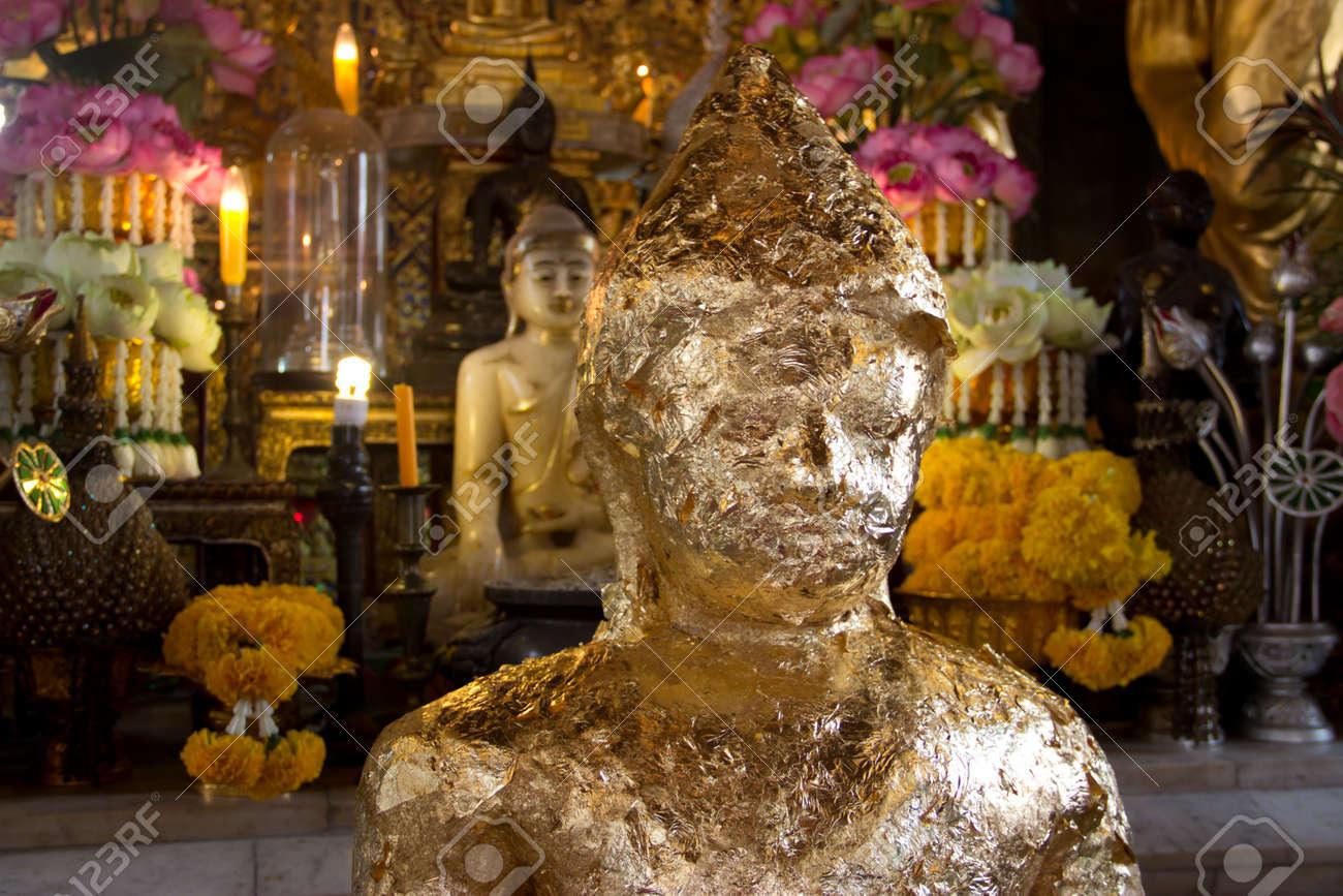 golden buddha Stock Photo - 18033578