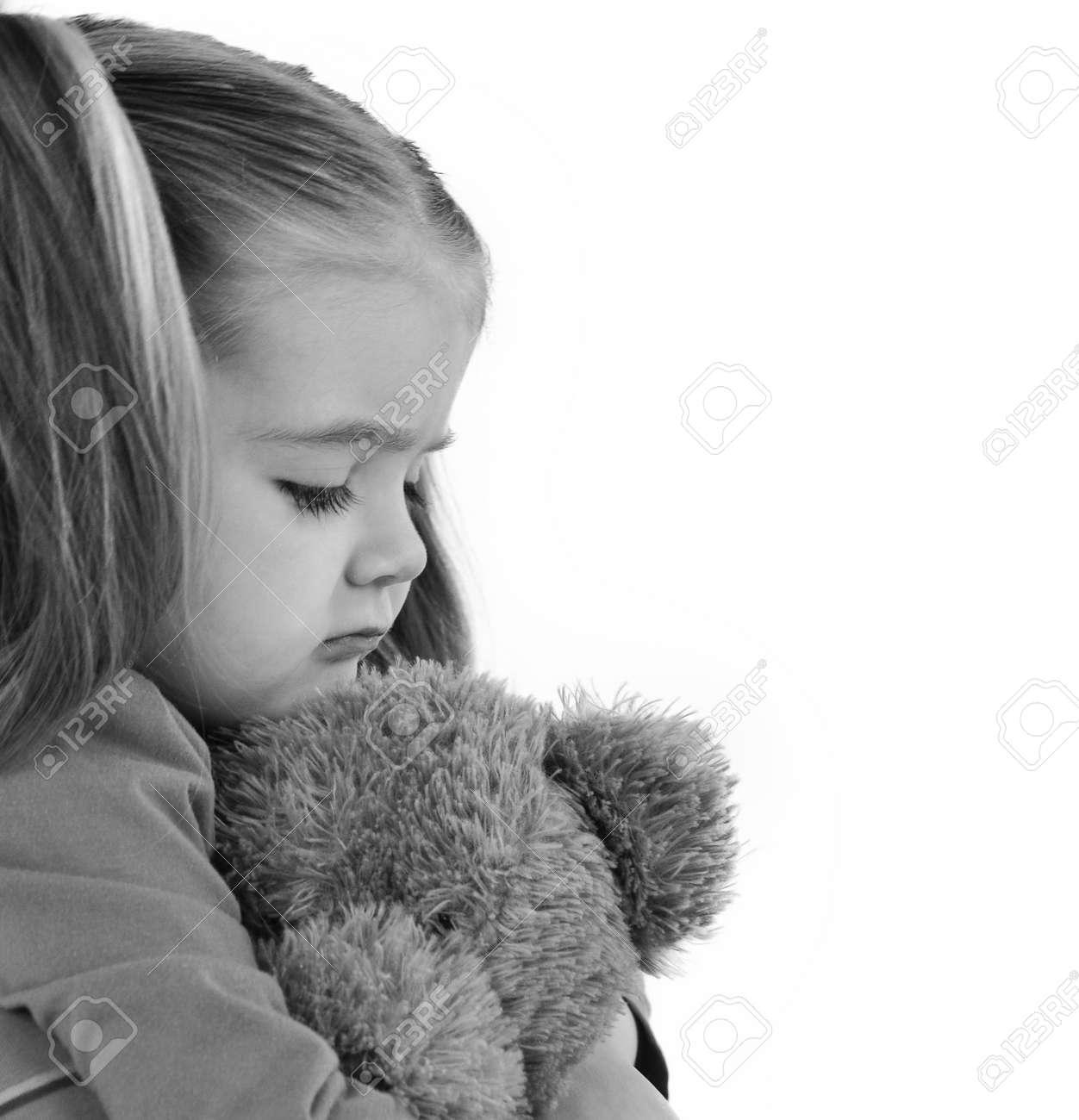 Resultado de imagen para imagen de una niña triste