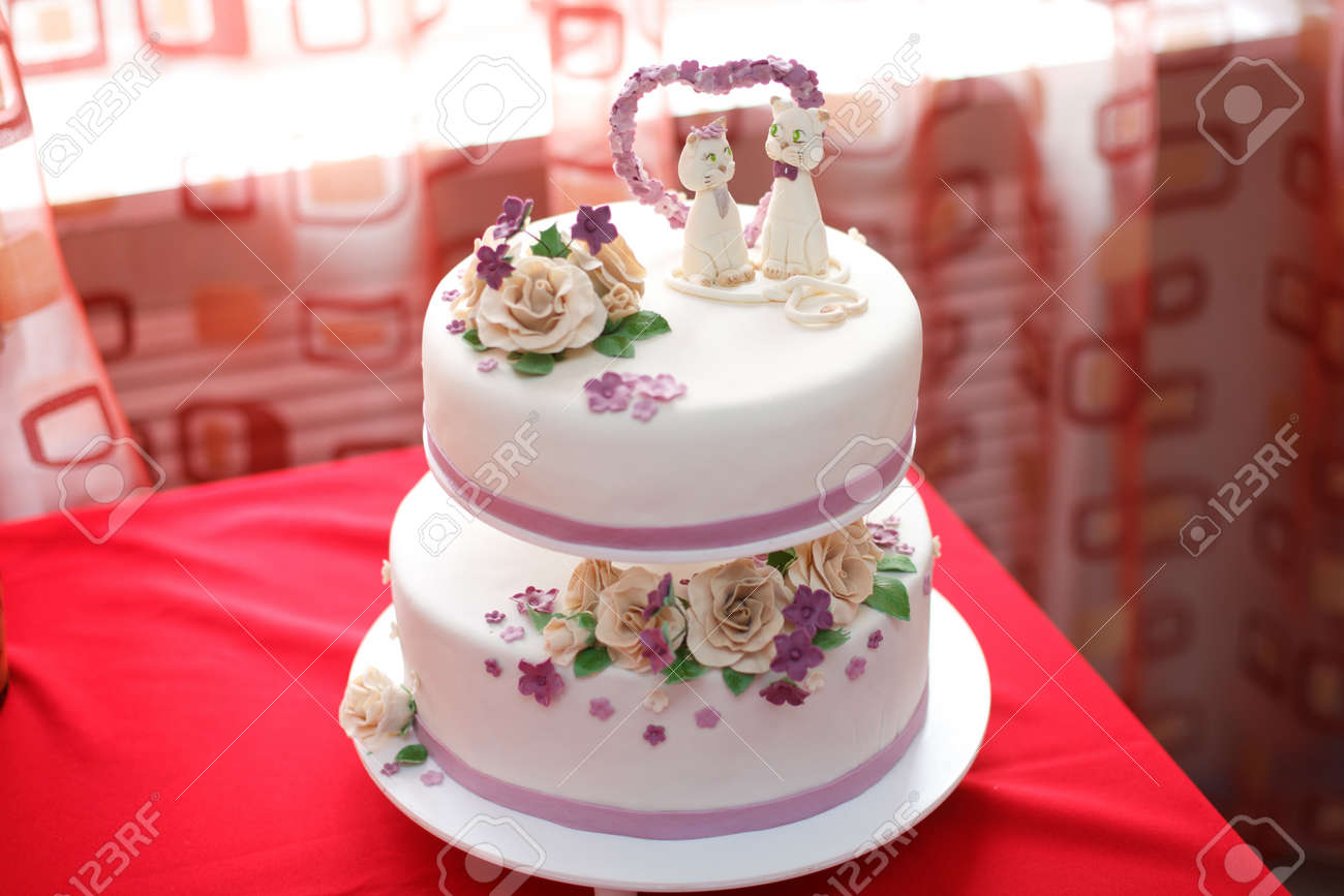 How to decorate a cake with mastic: step-by-step instruction 61