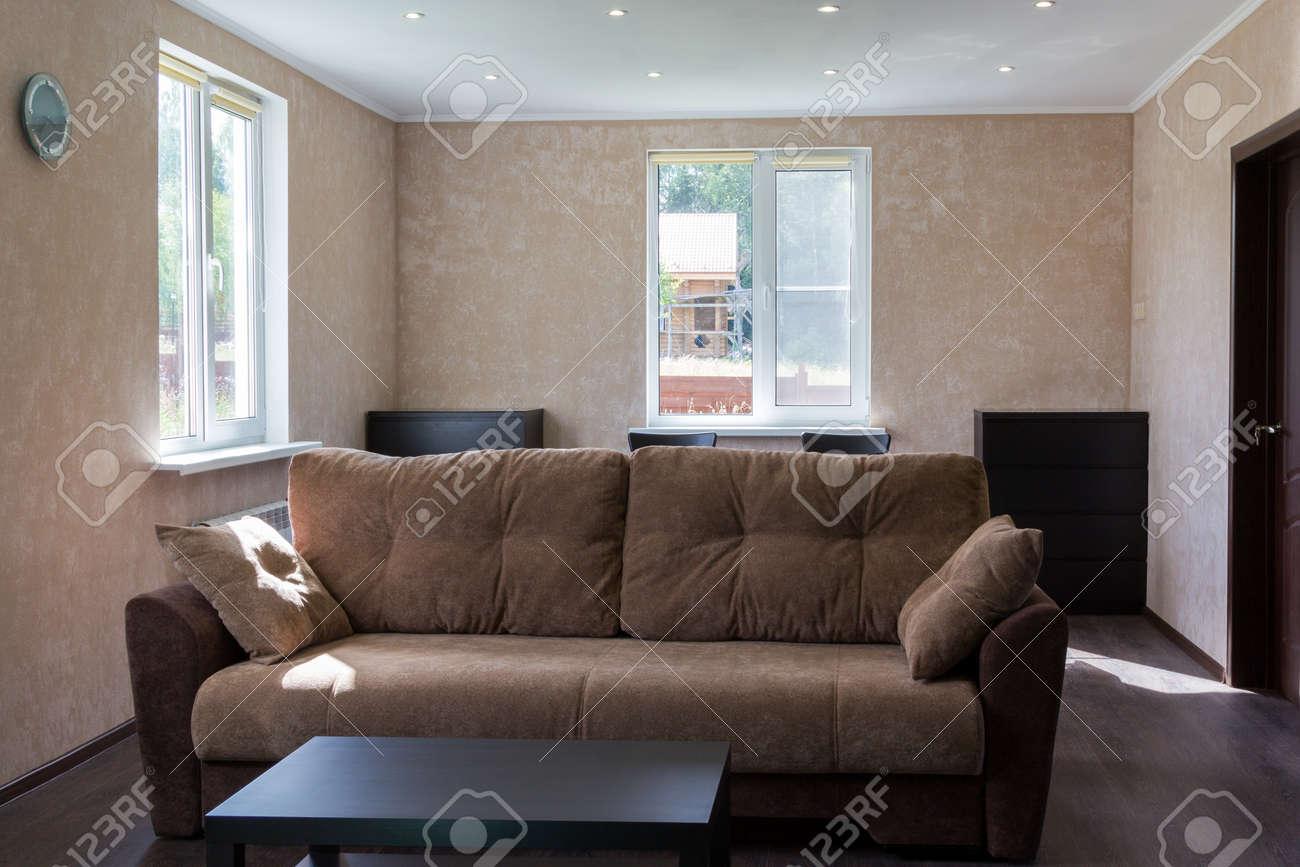 banque dimages canap dans le salon dune maison de campagne