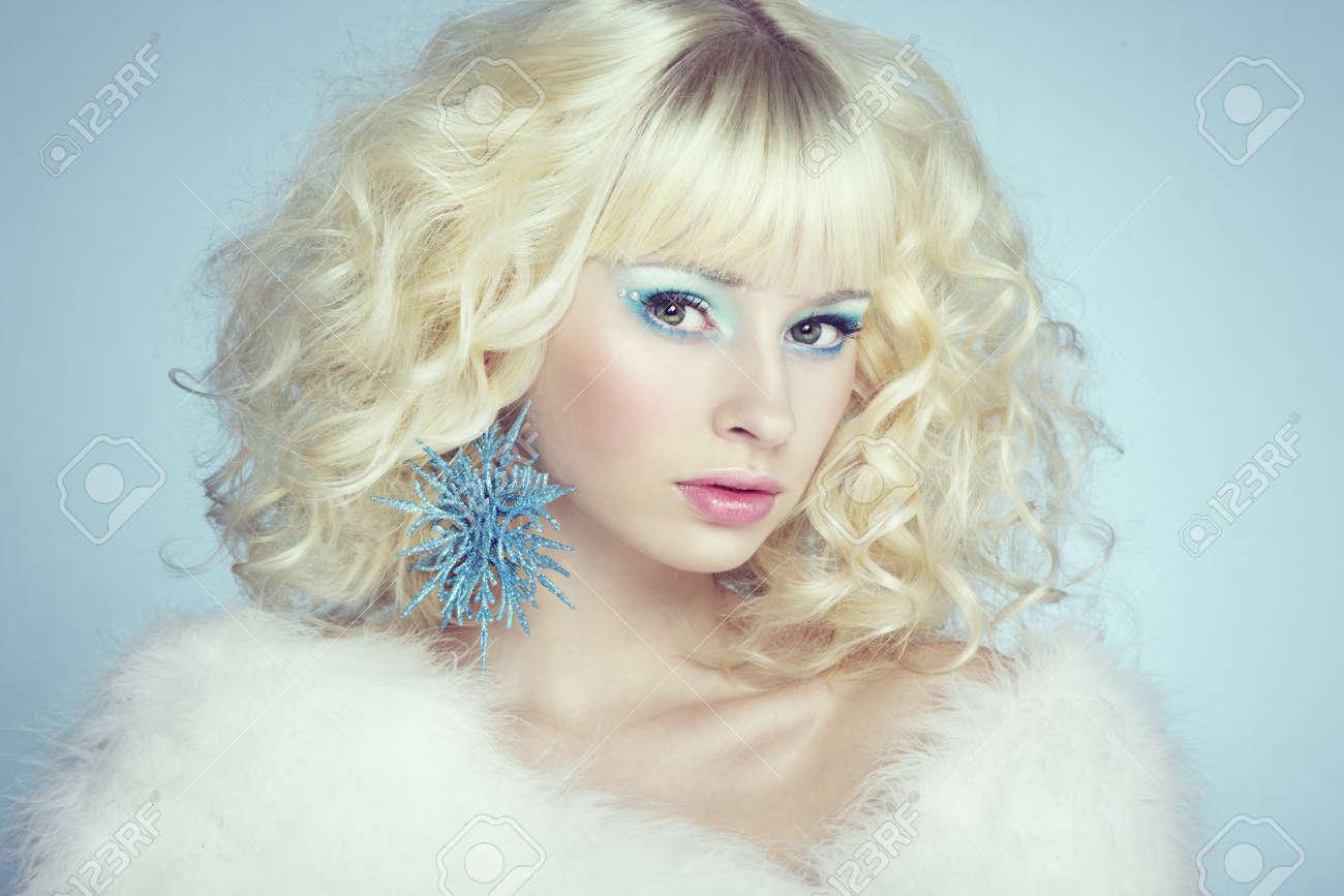 Фотографії блондинок і зима 17 фотография