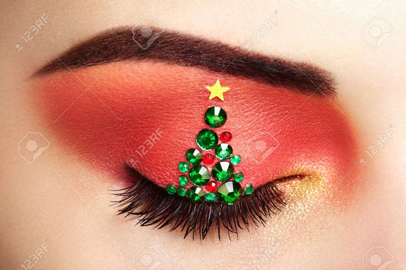 Eye Girl Makeover Christmas Tree Winter Christmas Makeup Beauty - Christmas-makeup
