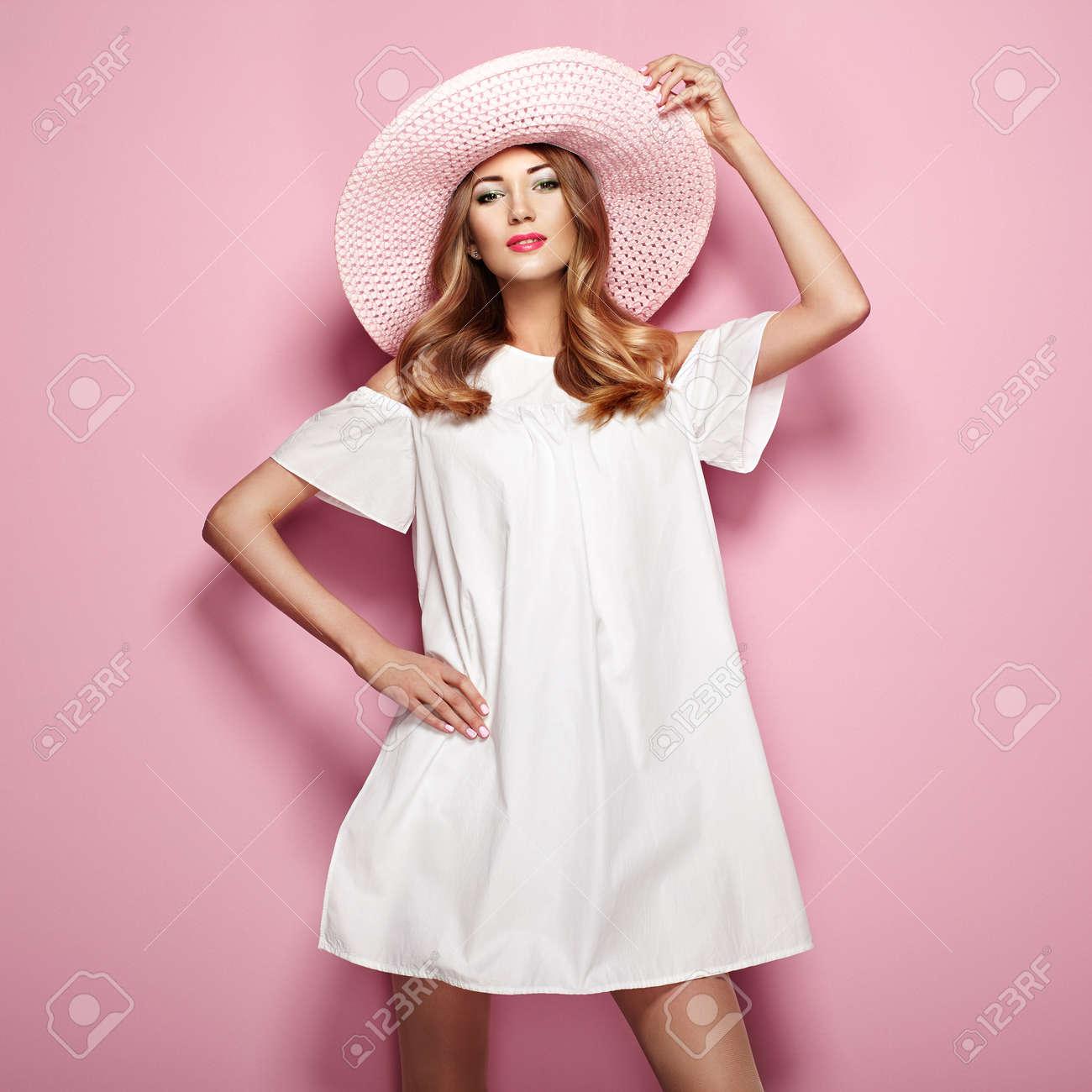 Rosa kleid welcher schmuck