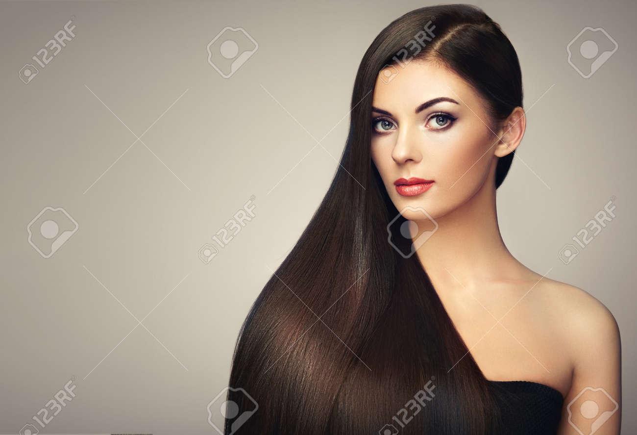Frisur mit langen glatten haaren