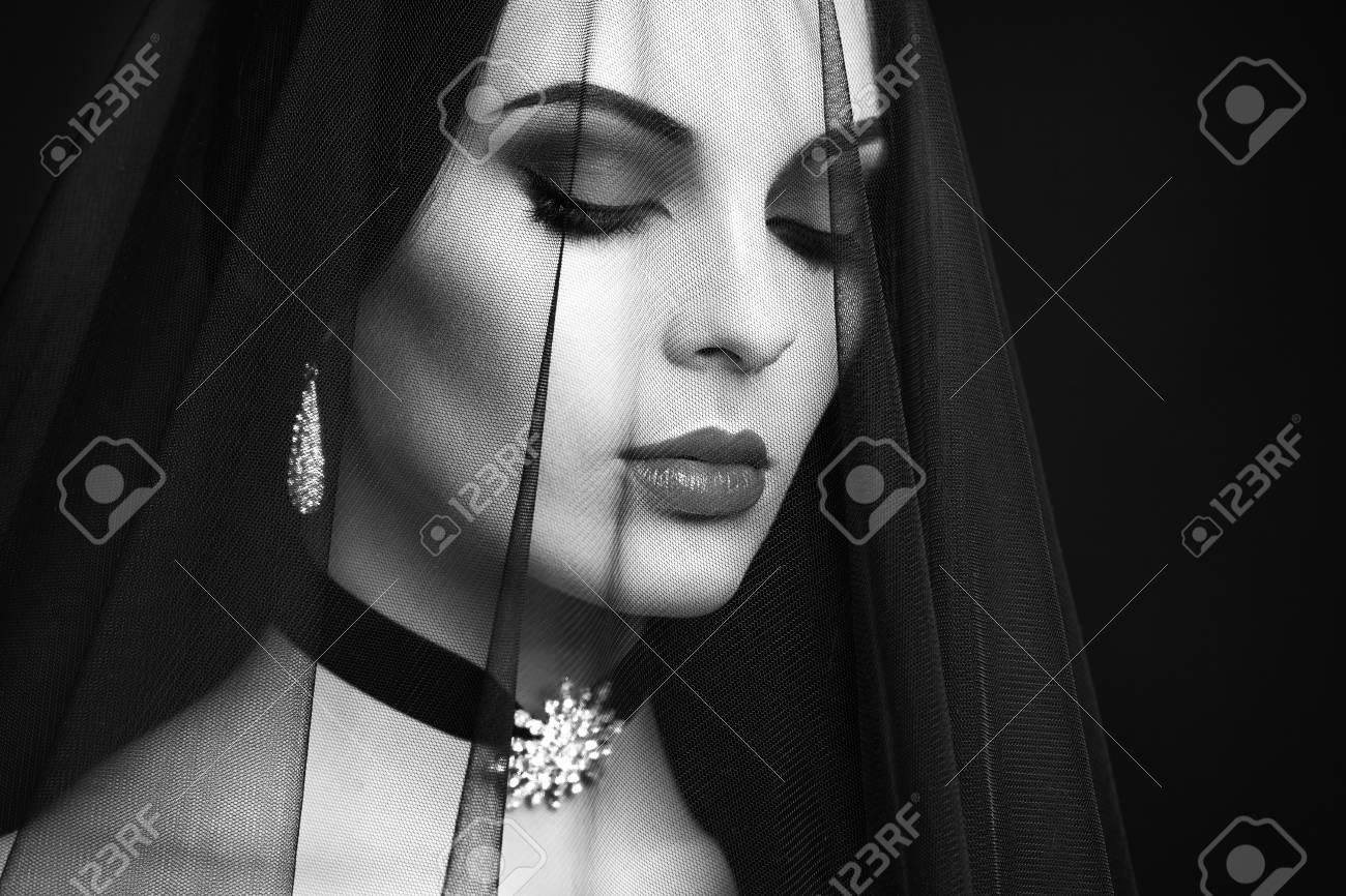 halloween woman portrait. beautiful glamour fashion sexy lady