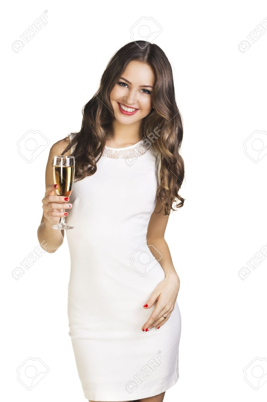 Mujer vestida de vestido blanco