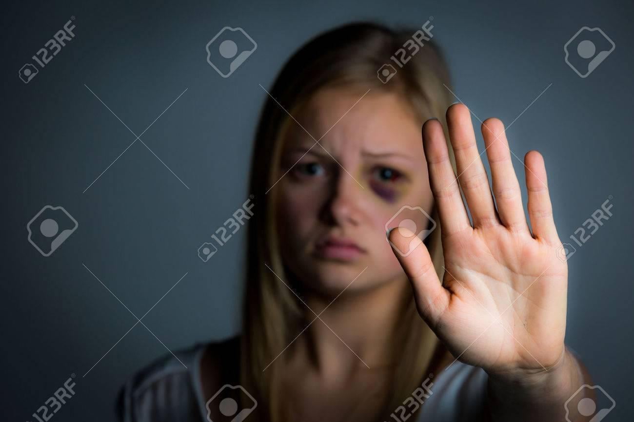 junge-maedchen-missbrauchten-bilder-mutter-geschlecht-junger-junge