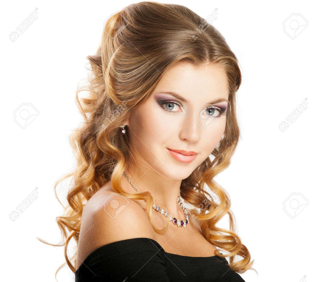 Прическа на корпоратив с длинными волосами