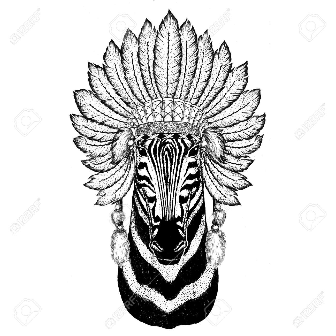 Animal sauvage zèbre portant chapeau indiat avec plumes Illustration  vintage de gravure style boho Image pour