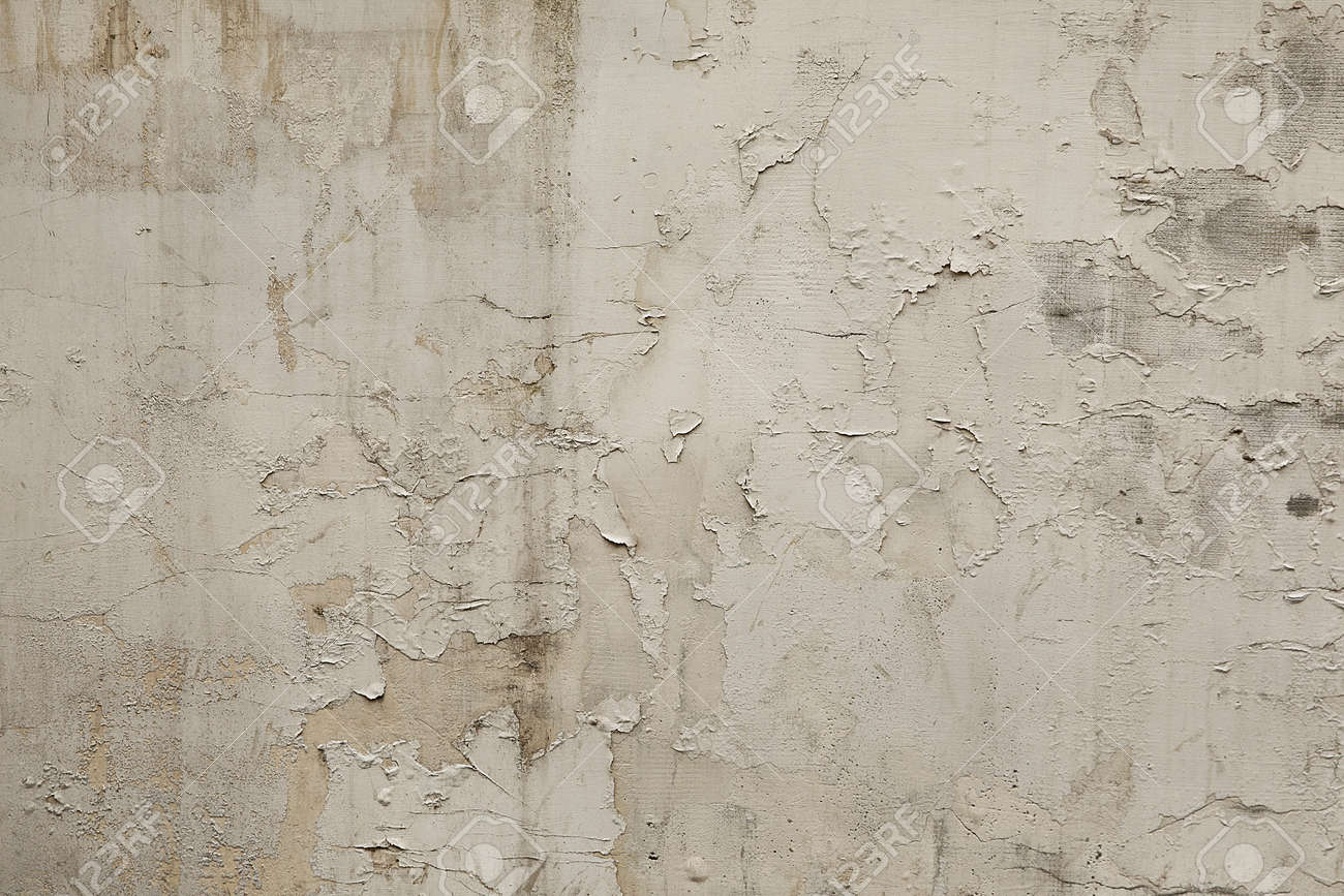 Old white grunge wall background or texture - 109319485
