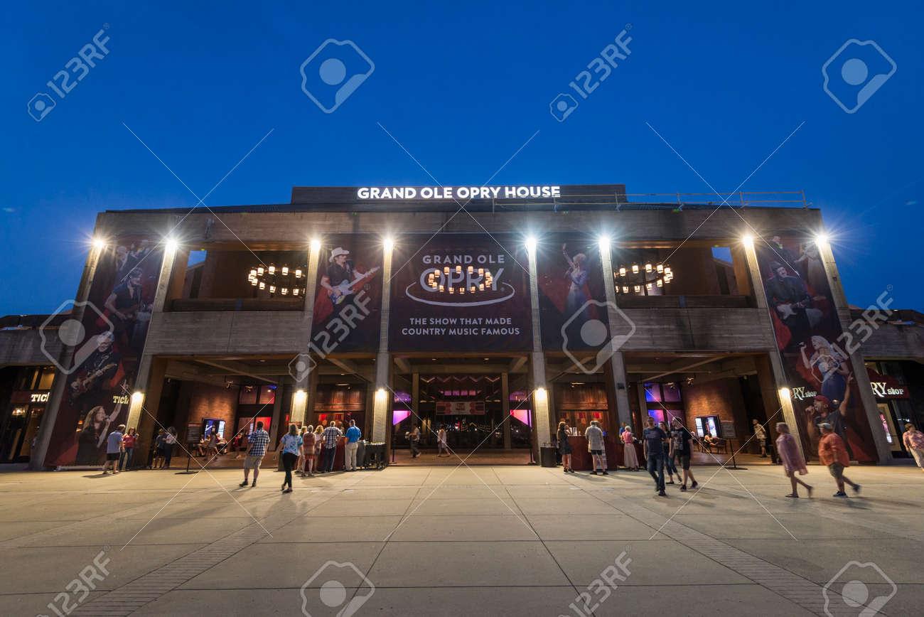 The Grand Ole Opry Ist Ein Wochentliches Country Musik Buhnenkonzert