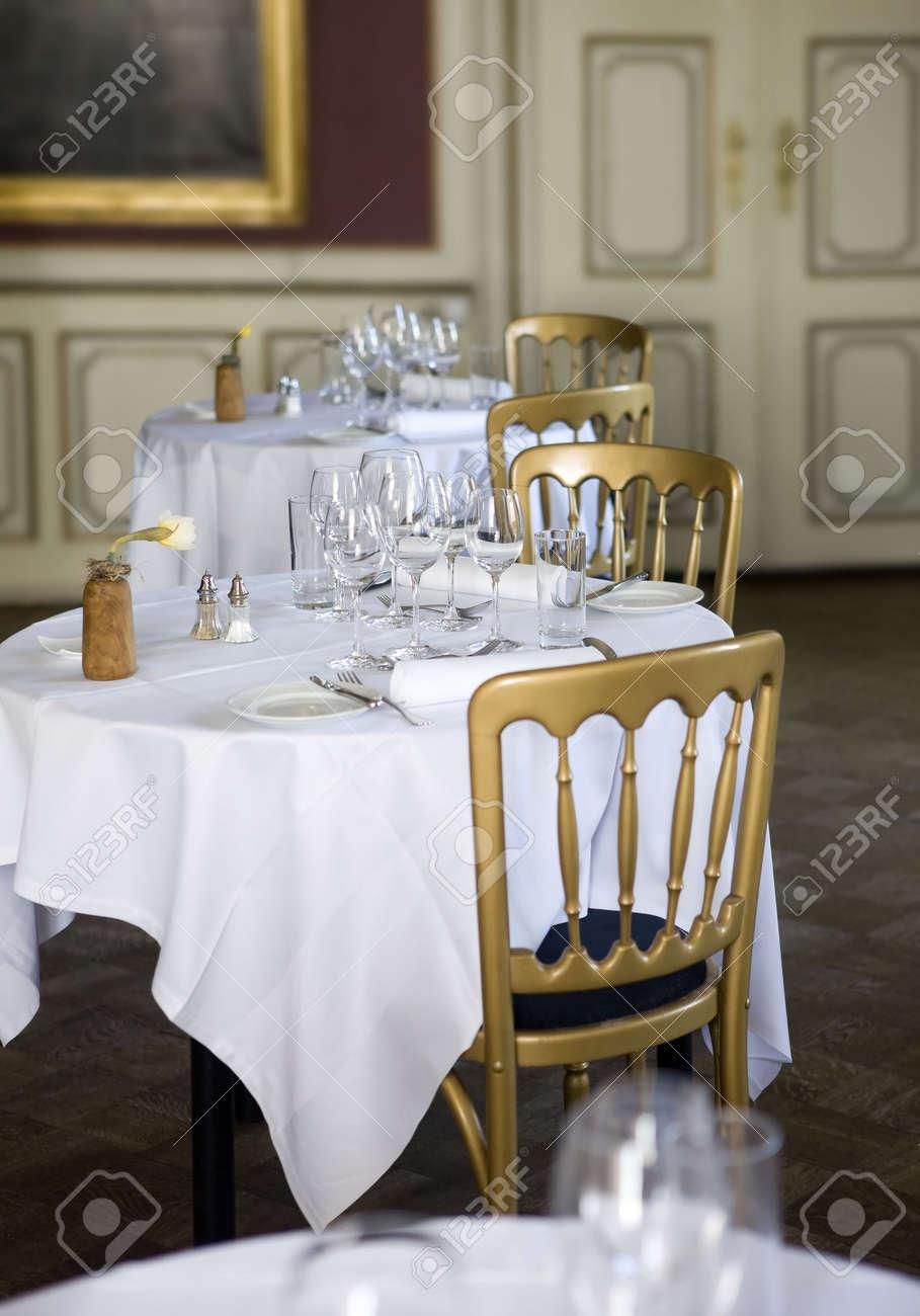 Merveilleux Restaurant   Classic, Tables De Salle à Manger Banque Du0027images   4775273