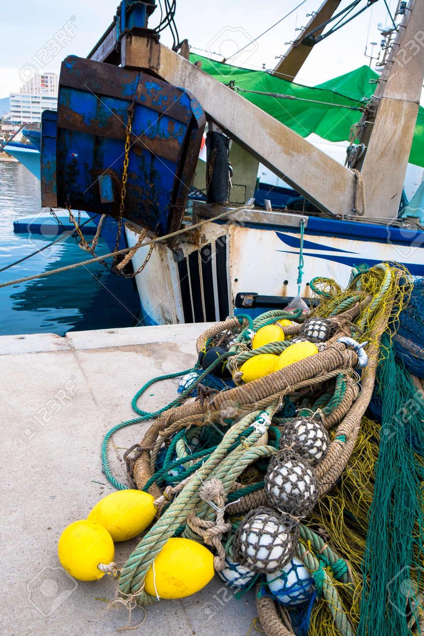 背景に係留された漁船の漁具 の写真素材・画像素材 Image 40806157.