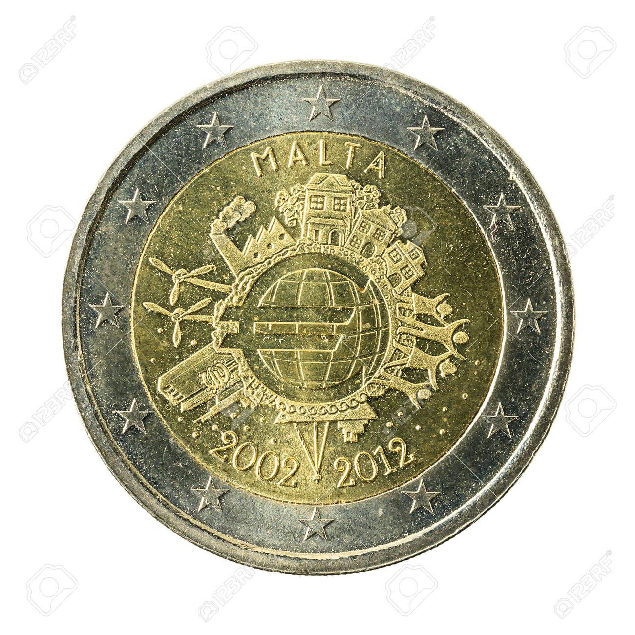 2 Euro Münze Malta Isoliert Auf Weißen Hintergrund Lizenzfreie Fotos