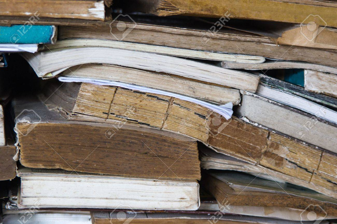 Many Messy Old Books Scattered Stock Photo - 16247414