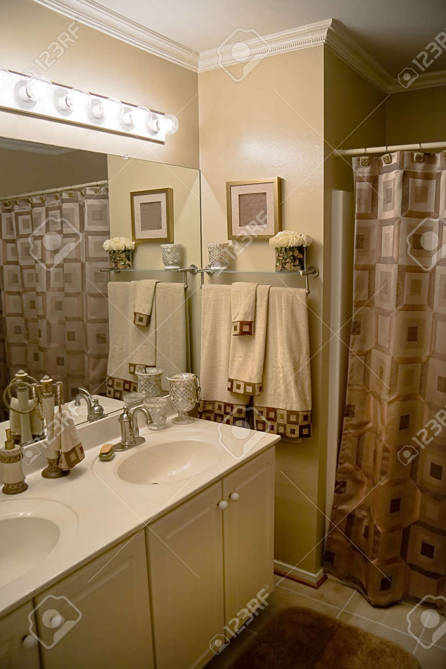 Luxurious Well Decorated Modern Bathroom With Matching Color Scheme Stock Photo 3300877