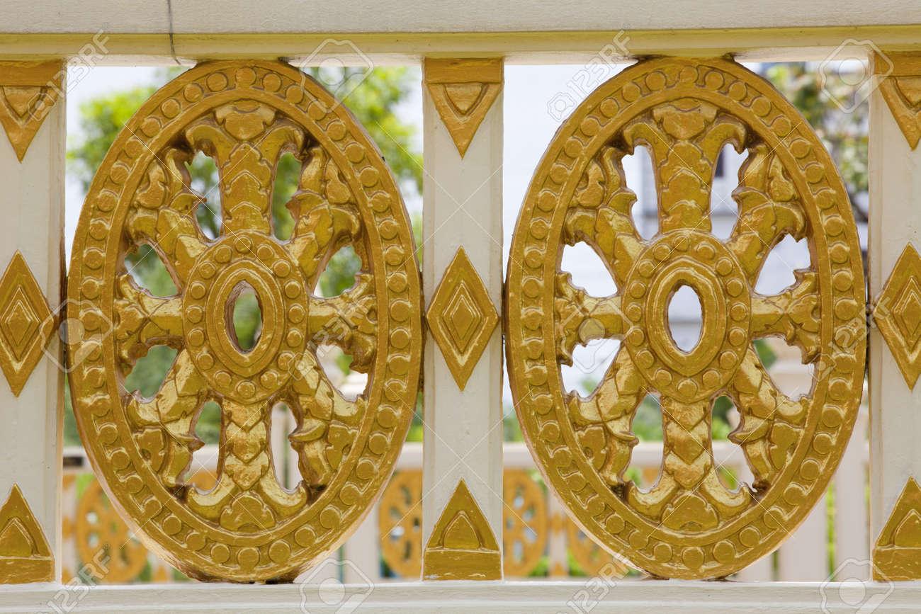 Pareti Doro : Pareti doro: rivestimento di pareti e nicchie con tessere di mosaico