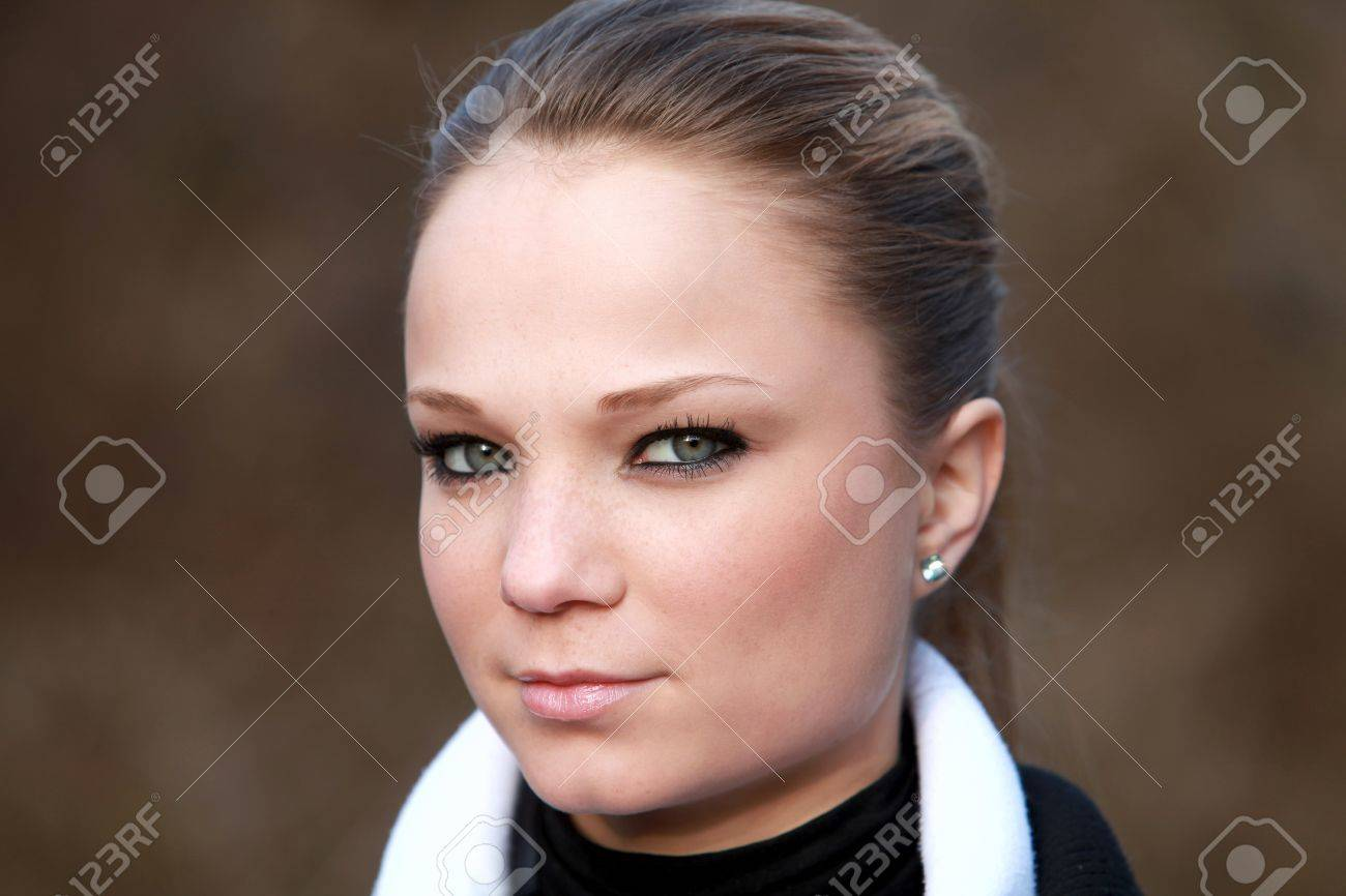 Sehr Niedlich Kleinen Blonden Mädchen 18 Jahre Alt Hair Geflecht
